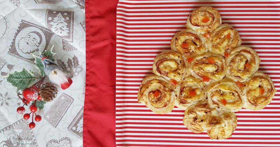 Albero Di Natale Di Pasta Sfoglia Salato.Albero Di Natale Di Pasta Sfoglia Salato